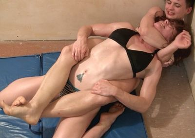 Female Muscle Wrestling torrent